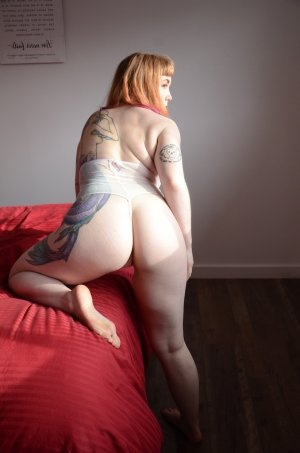 Isabelle-marie call girls in Danville IL