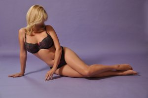 Nohemie live escort in New Philadelphia Ohio